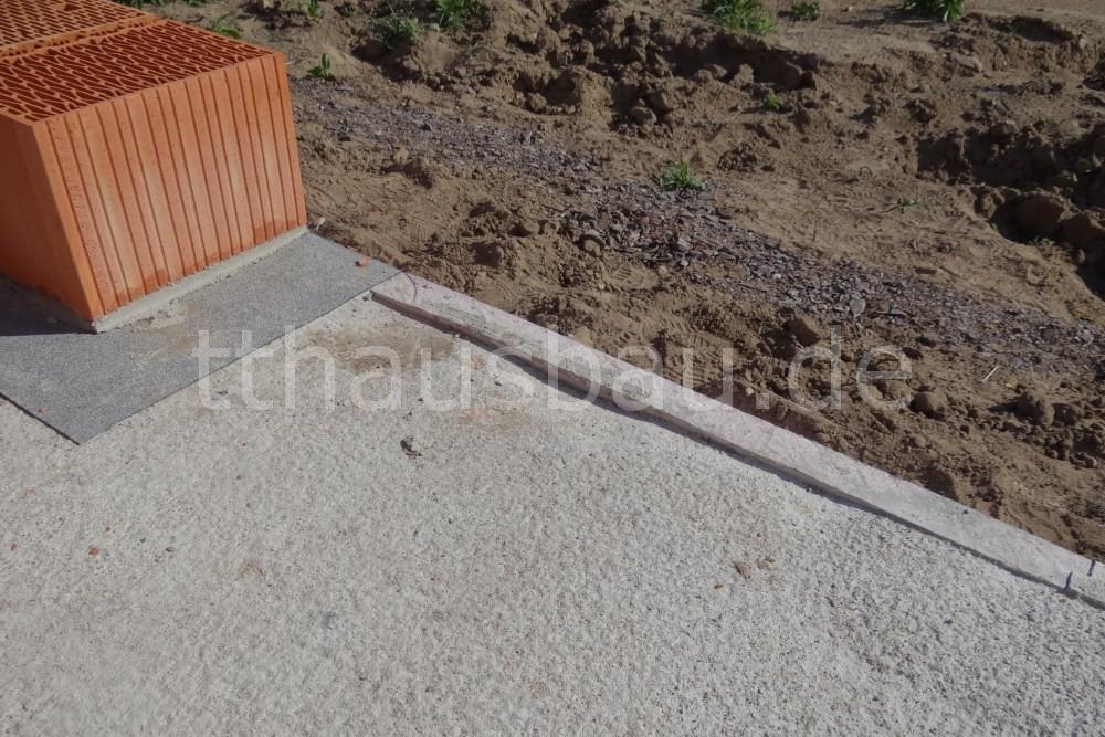 An manchen Stellen der Bodenplatte fehlt Beton.