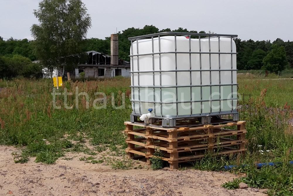 Bauwasserstand am fünften Tag der Mauerarbeiten. Gut 400 Liter sind noch drin.