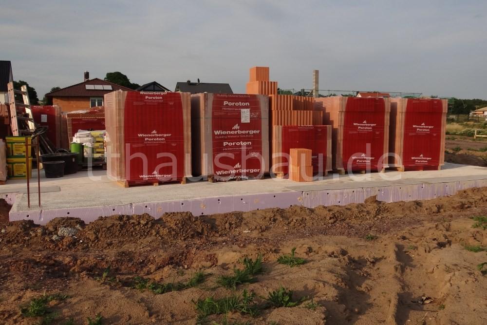 Bauwoche 06 – Beginn Mauerarbeiten